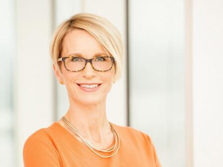 GlaxoSmithKline reports ten per cent revenue rise